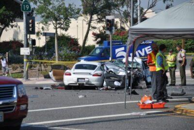 华裔保时捷+五车相撞 一死六伤
